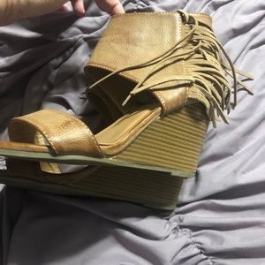 Shoes - Camel color fringe wedges
